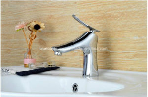 2016 New Design Elegant Bathroom Water Tap pictures & photos