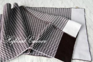Cashmere Knitted Scarf with Jacquard Houndstooth Pattern pictures & photos