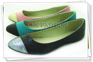 Fashion Toecap Patched PU Women′s Flat Shoes A133801390