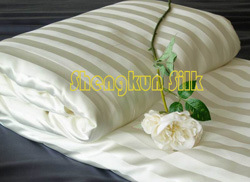 100% Handmade Silk Quilt (YUN-MSQ-003)