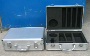 Aluminum Carrying Cases with Cut-out Foam Insert Made in China pictures & photos