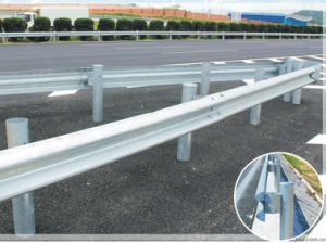 Thrie Beam Galvanized Crash Barrier for Road Safety pictures & photos