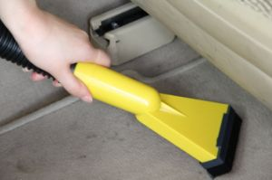 Strong Suction Car Vacuum Cleaner pictures & photos
