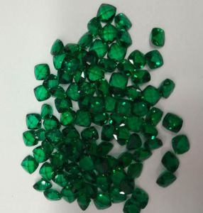 Lab Created Emerald Loose Cushion Shape Gemstones pictures & photos