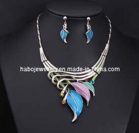 Glory Leaf Necklace Set/Fashion Jewelry Set (XJW13202) pictures & photos