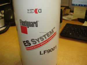 LF9001 Fleetguard Oil Filter for Cummins Engine pictures & photos