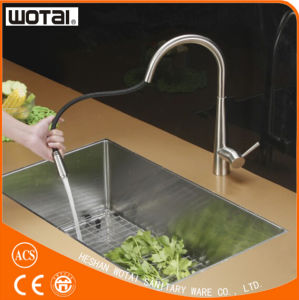 Cupc Long Neck Pull out Kitchen Faucet pictures & photos