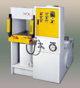 Ydk Series Frame-Type Oil Hydraulic Press Machine pictures & photos