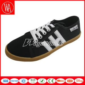 New Style Casual Autumn Women Flat Canvas Shoes pictures & photos