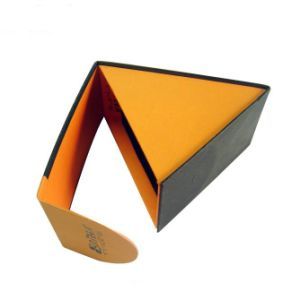 Paper Cardboard Folding Magnet Closure Box with Flat Shipping pictures & photos