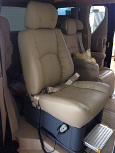 Handicapped Electric Swivel Seat for MPV pictures & photos
