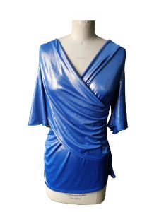 Latest Shiny Blue V-Neck 3/4 Sleeve Women′s T-Shirt pictures & photos
