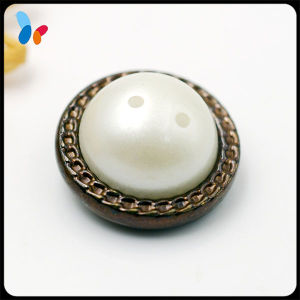 Pearl Attached Metal Zinc Alloy Shank Button for Overcoat pictures & photos