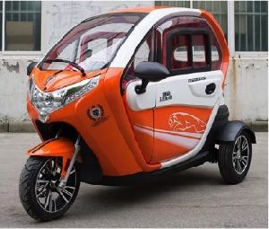 Hot Selling Closed Electric Tricycle for Passenger pictures & photos