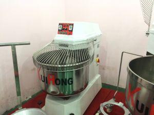 Kh 60/70L Dough Mixer/Mixer Machine pictures & photos