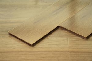 Compact Laminate Flooring for Living Room/Kitchen/Bed Room pictures & photos