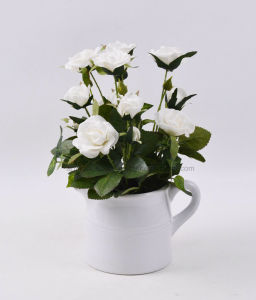 Decorations Vivid Rose Bouquet in Ceramic Kettle-Shaped Potted pictures & photos