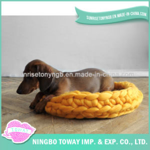 Hand Knitting Cat Pet Bed Wholesale Dog House pictures & photos