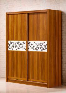 Solid Padauk Wood Wardrobe Sliding Door Wardrobe for Bedroom pictures & photos