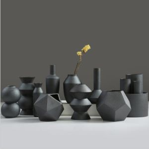 Porcelain Ceramic Vases, Ceramic Black Floret Bottle pictures & photos
