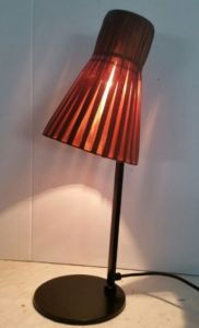 Simple Design Table Lamp with Red Fabric Shade pictures & photos