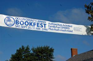 Best Price Outdoor Street Flex Vinyl Banner for Advertising pictures & photos