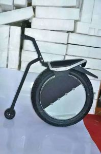 2016 New Designed 17 Inch Self-Balaing One Wheel Electric Motorycle pictures & photos