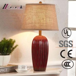 European Hotel Decorative Red Ceramic Bedside Table Lamp pictures & photos