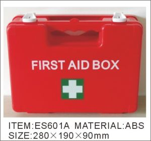 China Manufacturer First Aid Kit First Aid Box pictures & photos
