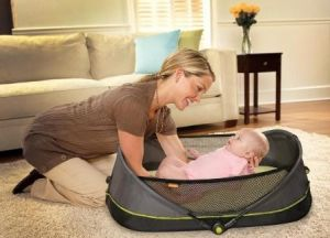 Folding Baby Bed with Protective Net pictures & photos