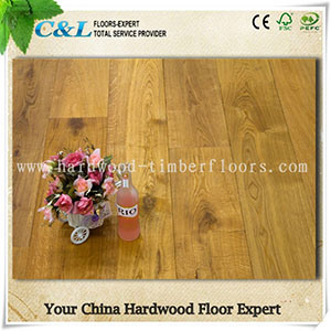 Hot Sale Rustic Fashion Style Oak Engineered Flooring pictures & photos