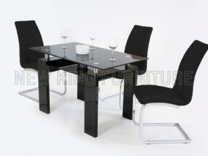 Modern Black Temper Glass Top with Wooden Foot Dining Table (NK-DT002)
