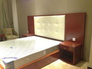Hotel Bedroom Furniture/Luxury Kingsize Bedroom Furniture/Standard Hotel Kingsize Bedroom Suite/Kingsize Hospitality Guest Room Furniture (NCHB-095110303) pictures & photos