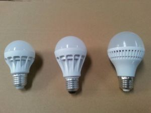 New Design LED Plastic Bulb Light 7W pictures & photos