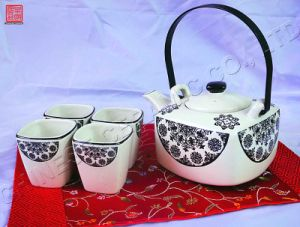 Fashionable Tableware Black Ceramic Teapot Dinner Set (TP-65F)