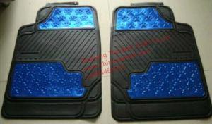 De Coche Huellita Metalizado Car Mat (Client Item Number: LY-0002BL) pictures & photos