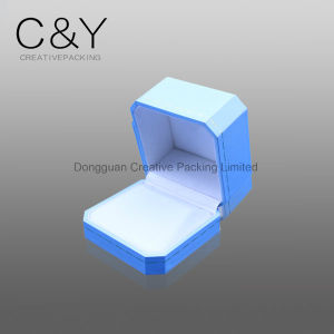 Small Octangle Plastic Earring Box with Hot Stamping Lines pictures & photos