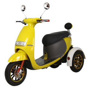 Hot Sale High Quality Three Wheel Electric Scooter 500W pictures & photos
