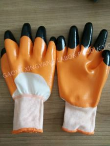 13G Polyester Shell, Orange Nitrile 3/4 Coated, Black Nitrile Finger Reinforced Safety Work Gloves (N7010) pictures & photos