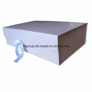 Hiqh Quality Flat Shipment One-Piece Gift Packaging Paper Boxes with Ribbons pictures & photos