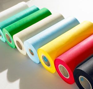 100% Polypropylene Spunbond Nonwoven Fabric in Roll pictures & photos