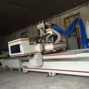 Double Worktables Wood CNC Router for Making Panel Furniture pictures & photos