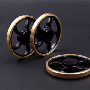 Round Hand Spinner Fidget Spinner Tri Fidget Desk Focus Toy EDC for Killing Time for Kids Adults pictures & photos