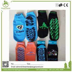 Popular Non-Slip Custom High Quality Trampoline Socks pictures & photos
