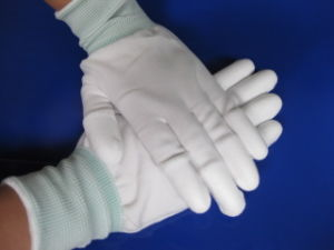 High Quality Cleanroom Working PU Coated Nylon Glove pictures & photos