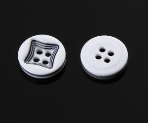 Manufacturer Fashion Garment Accessory 4 Holes Polyester Button pictures & photos