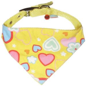 Custom Made Yellow Cute Loving Heart Printing with Small Bell Adjustable Dog Cat Pet Triangle Bandana pictures & photos