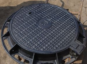 OEM D400 Casting Ductile Iron Manhole Cover and Frame En124 pictures & photos