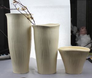 Big Volume Ceramic Vase with Different Size pictures & photos