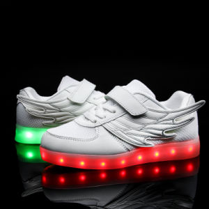 Wings of Light Shoes USB Shoes Children Shoes Winter Boys&Girls Charging Lamp Luminous LED with Light Shoes pictures & photos
